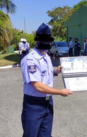 Militar da Força Aérea é flagrado com travesti