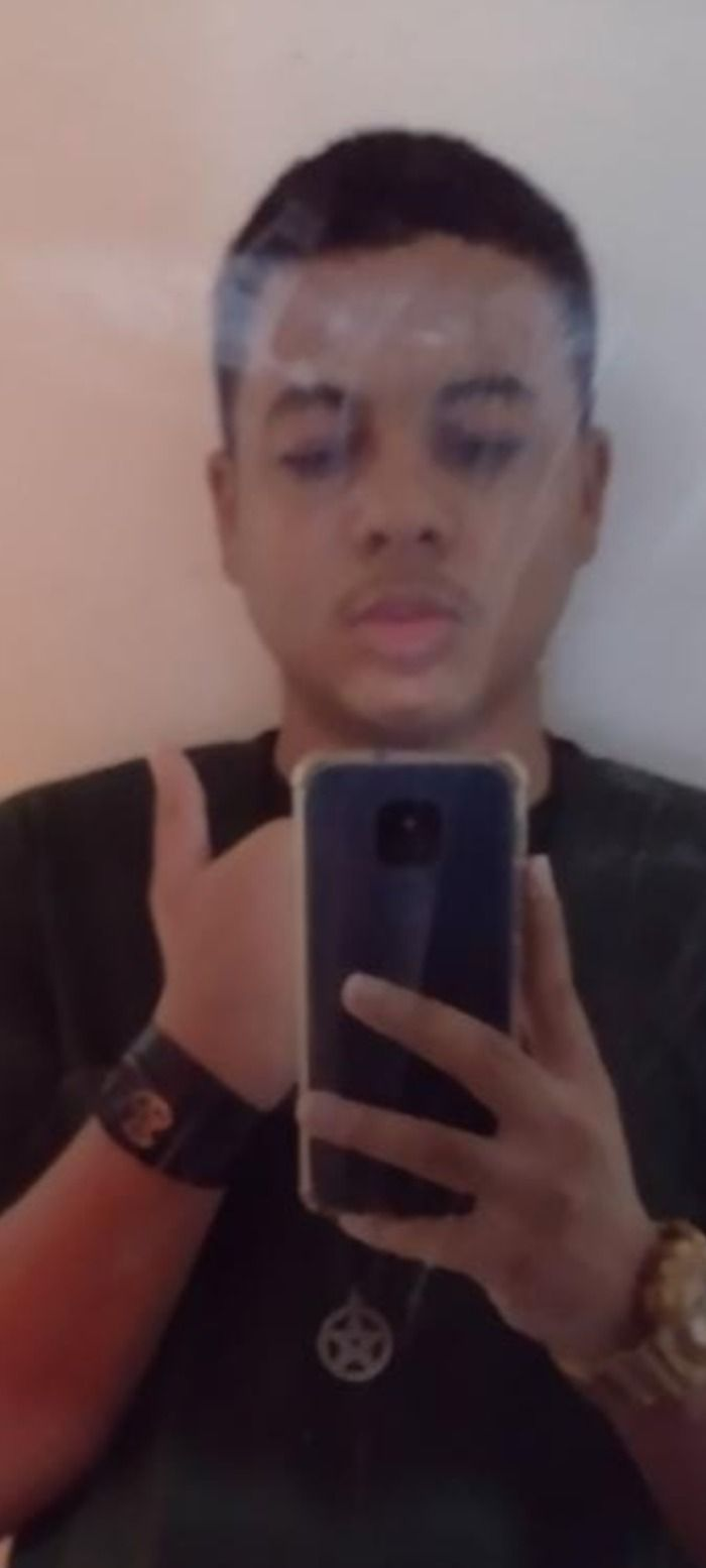 Jovem conhecido como gugavo é procurado pela polícia.