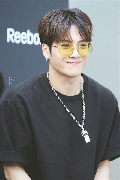Jackson Wang, do GOT7, revela sua relação com estrangeira