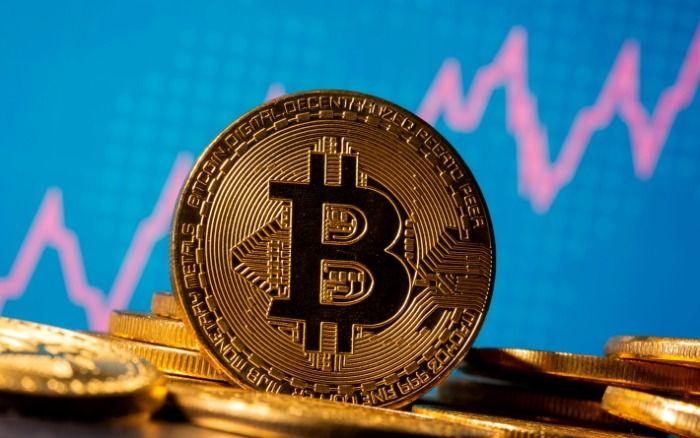 CRIPTOMOEDAS: Bitcoin, a maior criptomoeda do mercado, vem a falência. Moeda chegou ao valor de R$-87,30 negativos; entenda