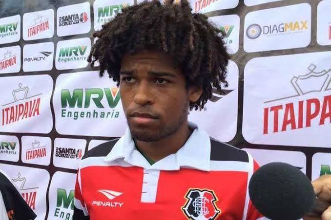 Dabove pede e Bahia atravessa Corinthians e fica próximo de anunciar William