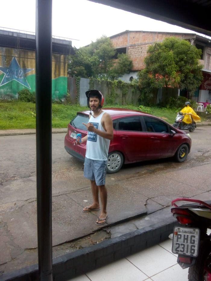 Amigos promovem ação solidária para morador de rua