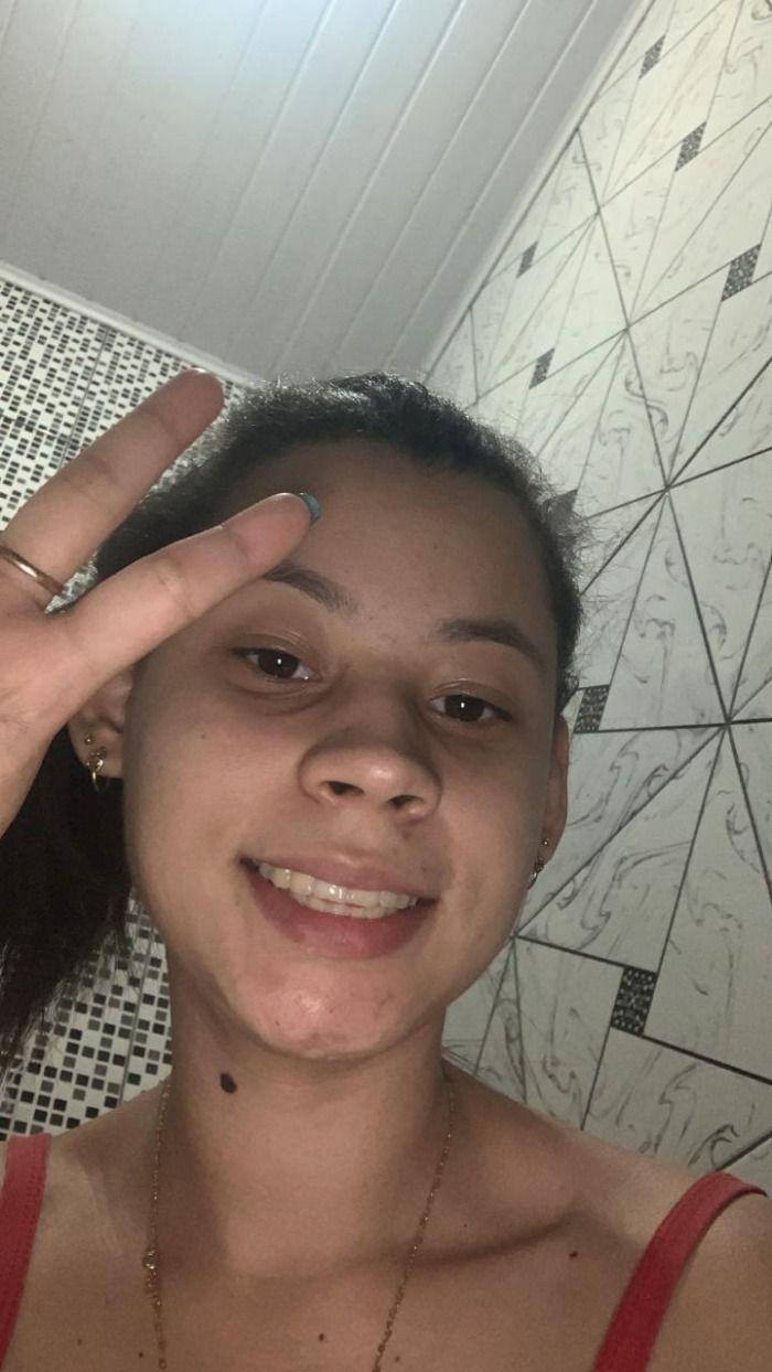 Jovem de 19 anos é encontrada morta, após ficar vários dias sem cagar .