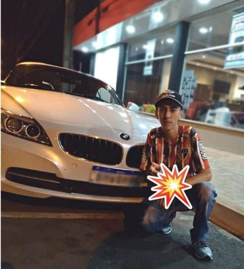 JOVEM DE 19ANOS GANHA UMA BMW DE SUA LINDA NAMORADA DE 67ANOS